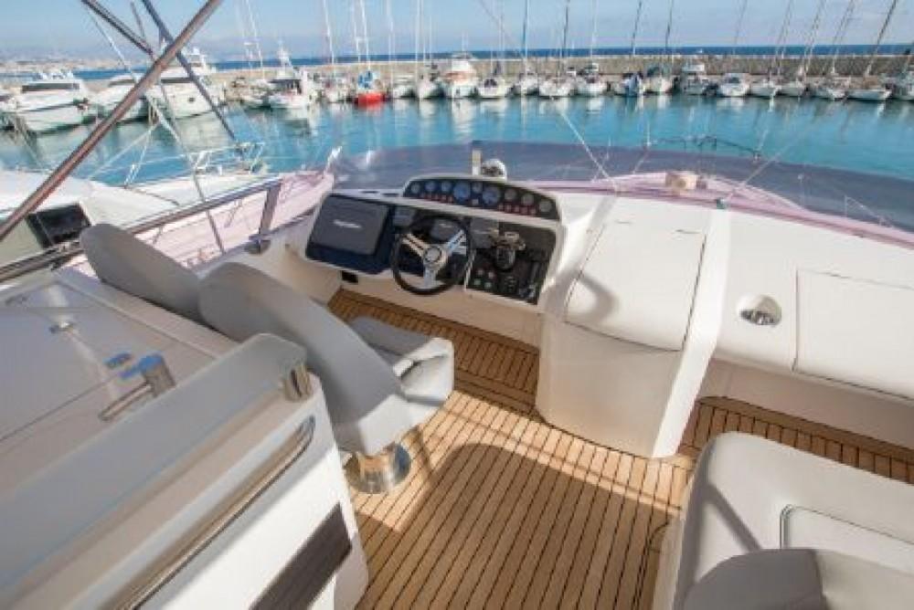 Location bateau Golfe-Juan pas cher Princess 64 Fly