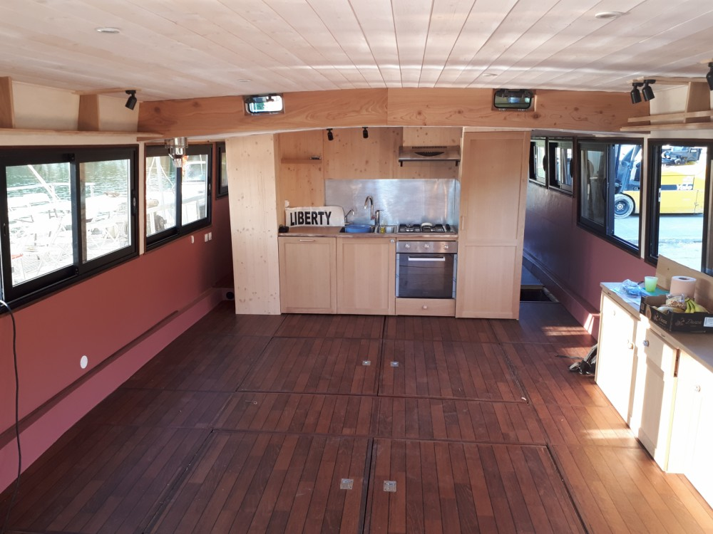 Houseboat for rent Mâcon at the best price