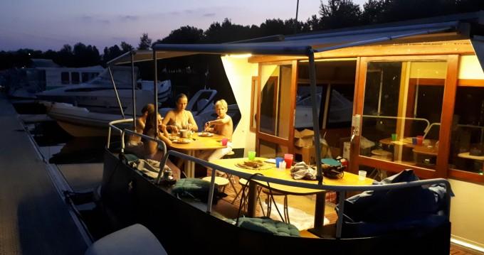 Location bateau nauticus bougainvillier à Mâcon sur Samboat