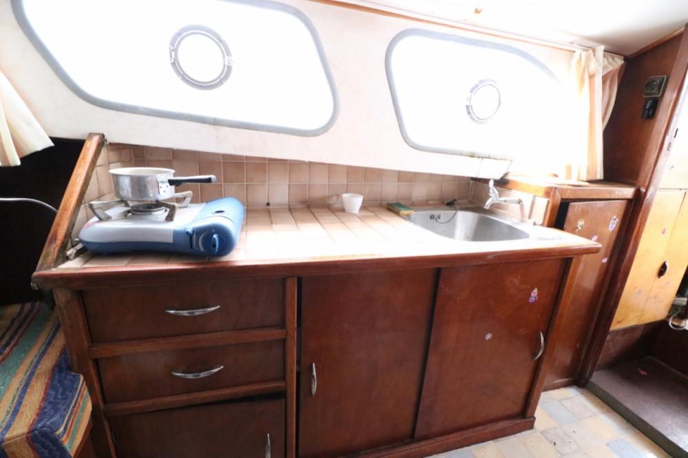 Rental Houseboat VanDutch with a permit