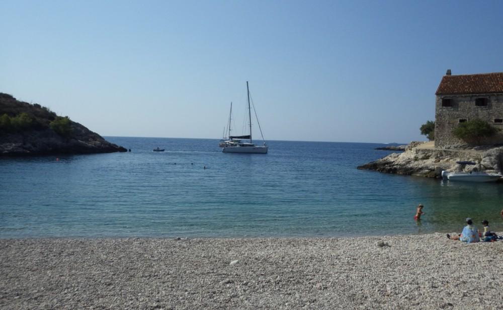 Huur Motorboot met of zonder schipper Insidias Marine in Hvar