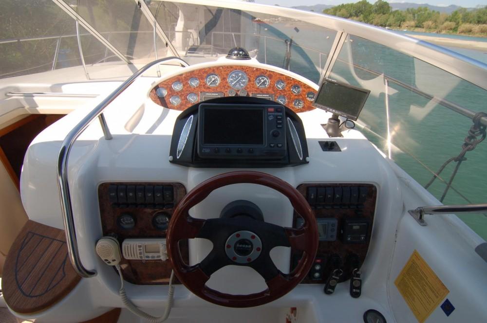 Rental Motor boat in Sardinia - Sessa Marine Oyster 35