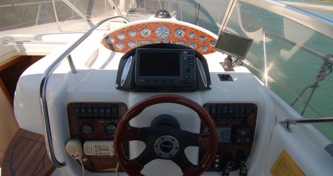 Noleggio barche Sessa Marine Oyster 35 Sardegna su Samboat