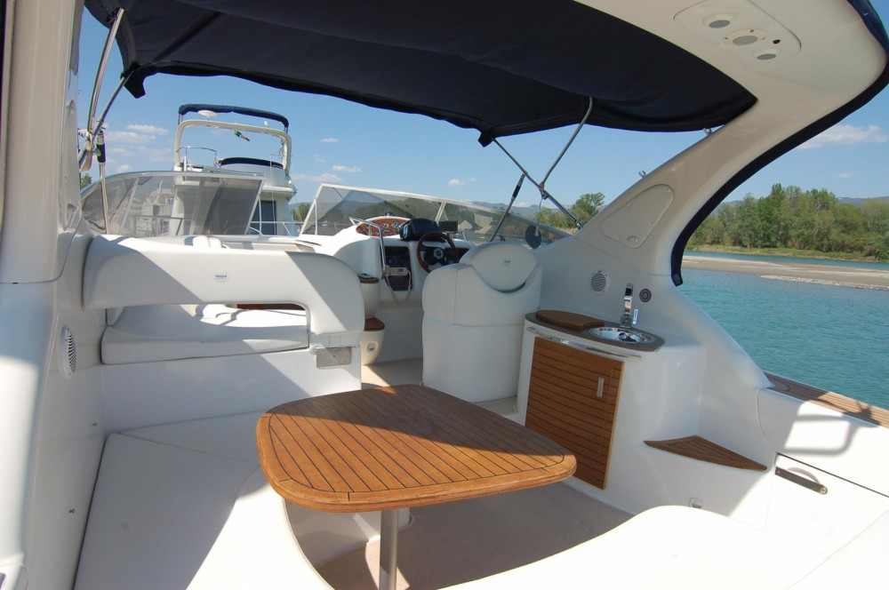 Motor boat for rent Sardinia at the best price