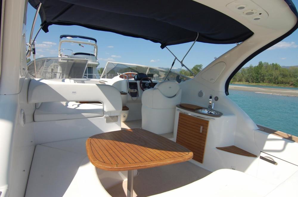 Alquiler de barcos Sessa Marine Oyster 35 enCerdeña en Samboat
