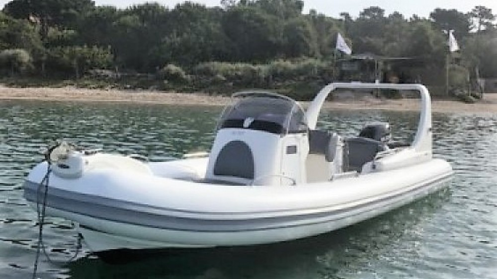 Location bateau Zodiac Medline 3 à Porto-Vecchio sur Samboat