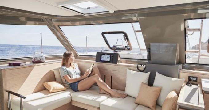 Location bateau Nautitech Open 40 à Antibes sur Samboat
