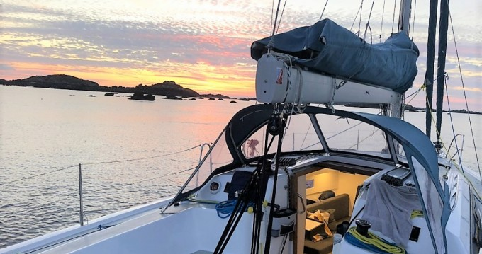 Hire Sailboat with or without skipper Rm Saint-Malo
