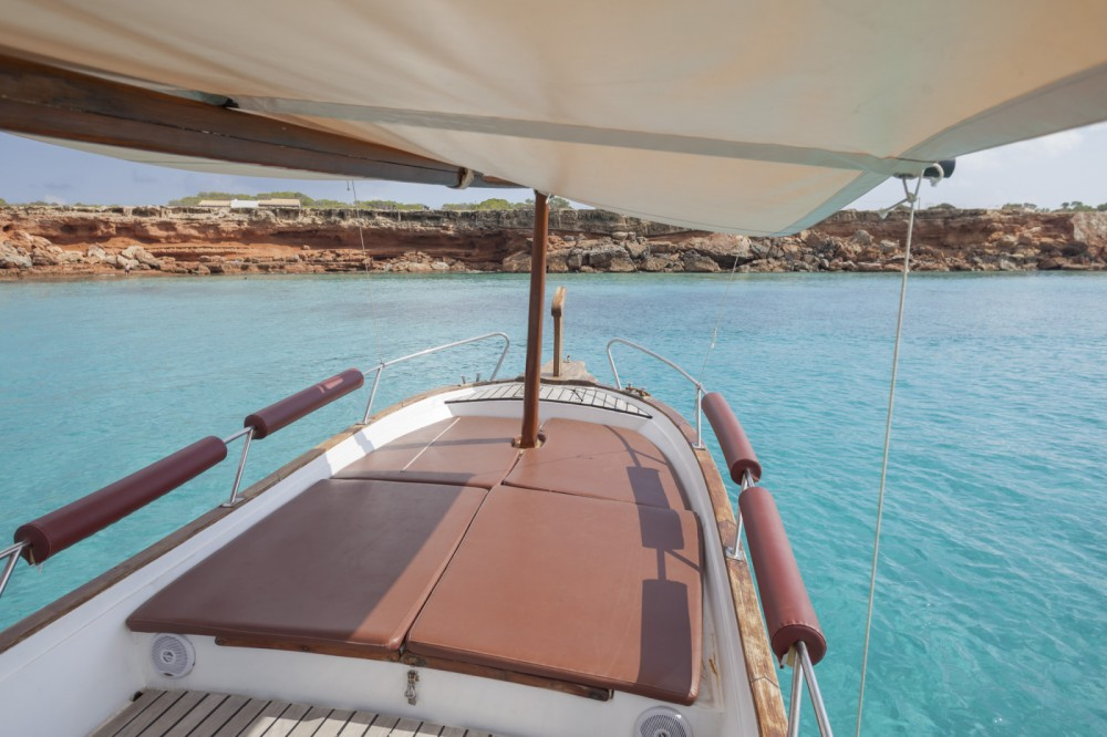 Bateau à moteur à louer à Formentera au meilleur prix