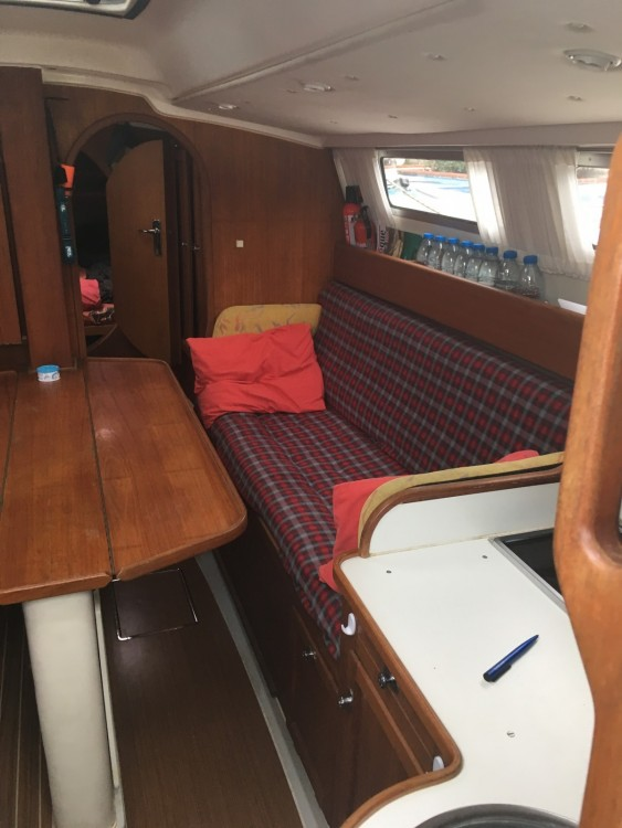 Location bateau Roses pas cher Dragonfly 1000