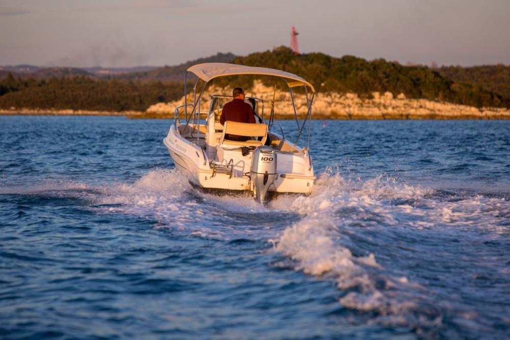 Rental yacht Vrsar - Bluline Bluline 19 on SamBoat