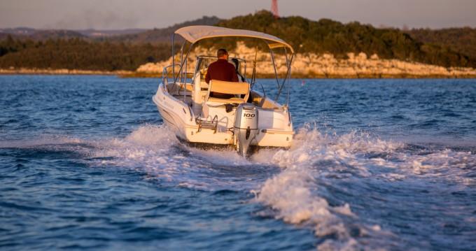 Location yacht à Vrsar-Orsera - Bluline Bluline 19 sur SamBoat