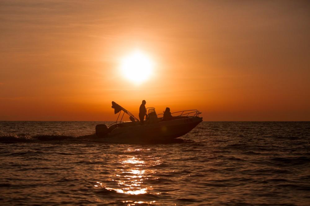 Boat rental Bluline Bluline 19 in Vrsar on Samboat