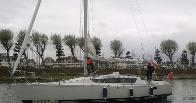 Location bateau Kirie Feeling 920 DL à Deauville sur Samboat