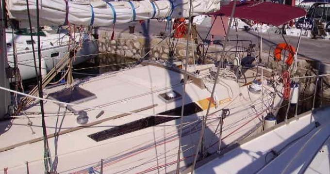 Location bateau Bénéteau First 42 à Álimos sur Samboat