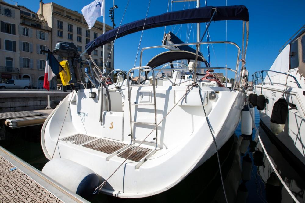 Bénéteau Oceanis 45 zwischen Privatpersonen und professionellem Anbieter Marseille