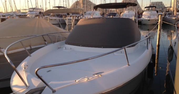 Location bateau La Grande-Motte pas cher Cap Camarat 8.5 WA