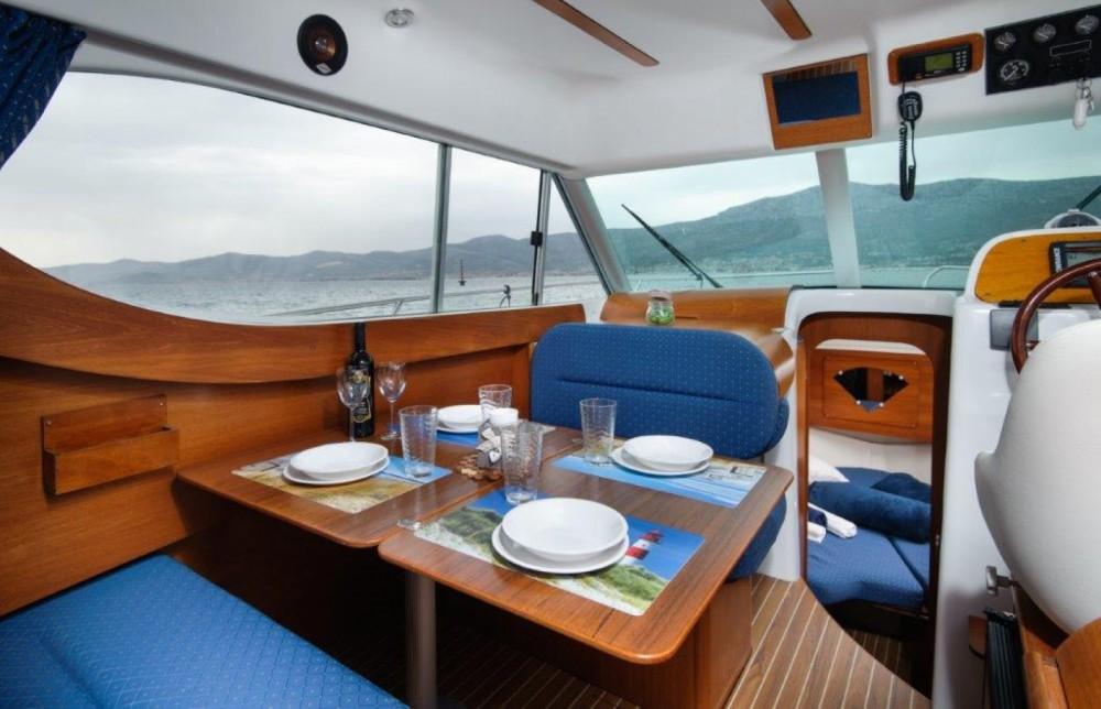 Rental Motor boat in Split - Jeanneau Merry Fisher 805