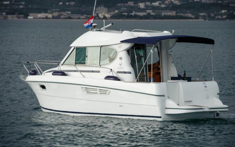 Jeanneau Merry Fisher 805 between personal and professional Split