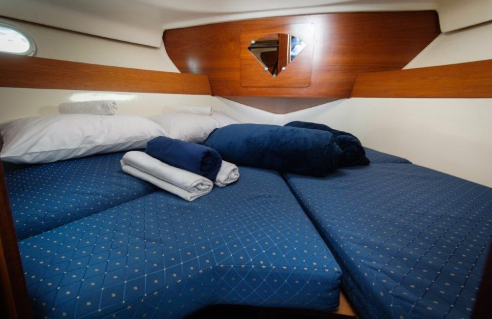 Hire Motor boat with or without skipper Jeanneau Split