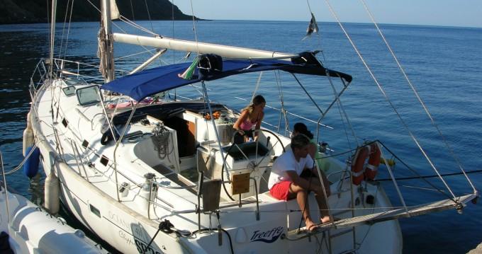 Bénéteau Oceanis 411 Clipper entre particuliers et professionnel à Milazzo