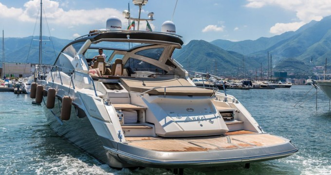 Location yacht à Castellammare di Stabia - Cranchi Cranchi 60 HT sur SamBoat
