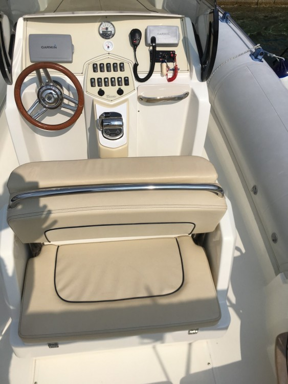 Noleggio Gommone Marlin Boat con un permesso di