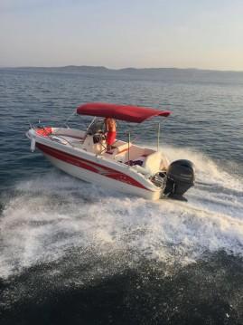 Louer Bateau à moteur avec ou sans skipper Salmeri à Baška Voda