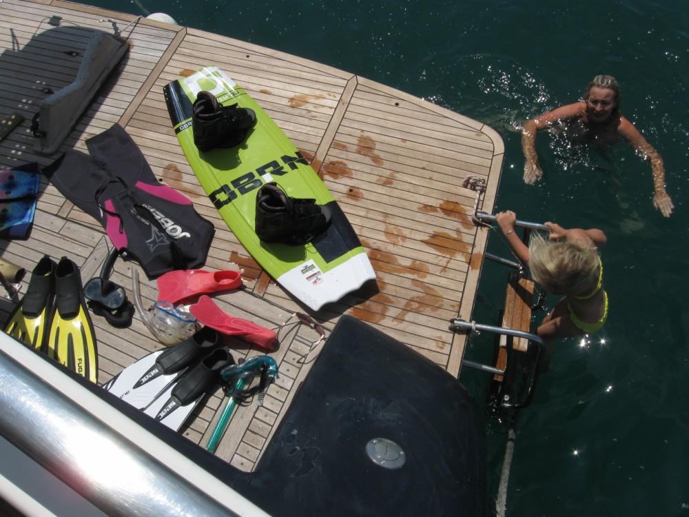 Location bateau Johnson Johnson 65 à Le Grau-du-Roi sur Samboat