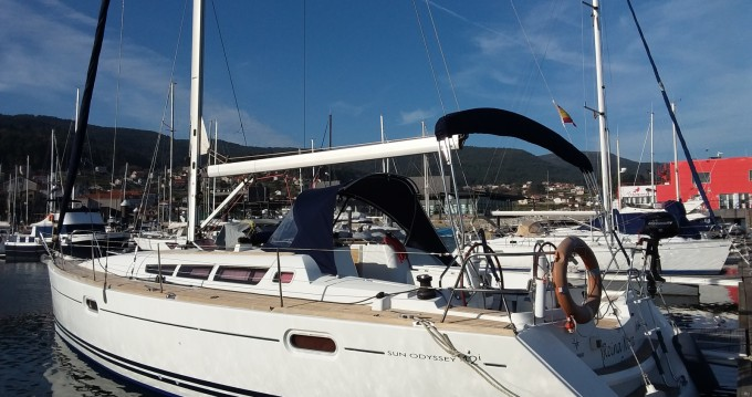 Jeanneau Sun Odyssey 42i entre particuliers et professionnel à Combarro