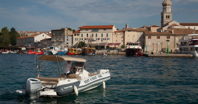 Marlin Boat Dynamic 790 between personal and professional Krk