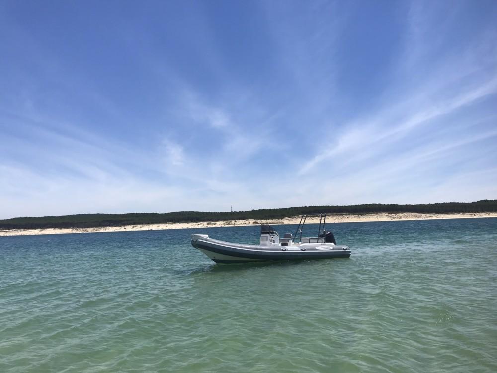 Verhuur Rubberboot Nautica Led met vaarbewijs