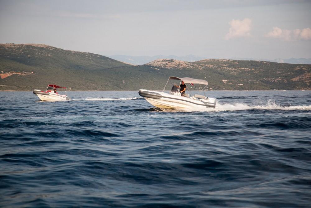 Marlin Boat Dynamic 630 entre particuliers et professionnel à Krk