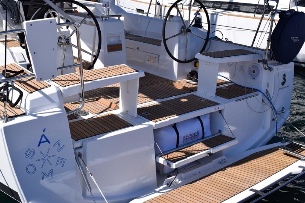 Location bateau Bénéteau Oceanis 38 à Carloforte sur Samboat