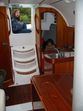 Sailboat for rent Mauguio at the best price