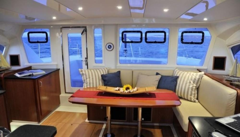 Location Catamaran Robertson and Caine avec permis
