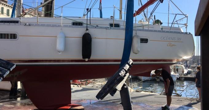 Louez un Bénéteau Oceanis 361 à Marseille