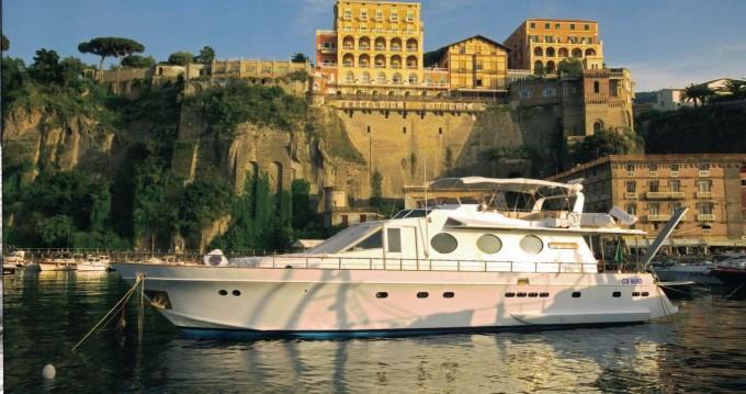 Location bateau Cantieri navali di Chiavari Heron 21 à Castellammare di Stabia sur Samboat
