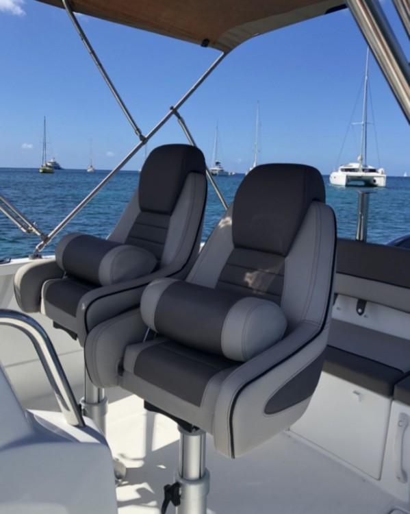 Alquiler de barcos Jeanneau Cap Camarat 6.5 CC Style Serie 2 enLes Anses-d'Arlet en Samboat