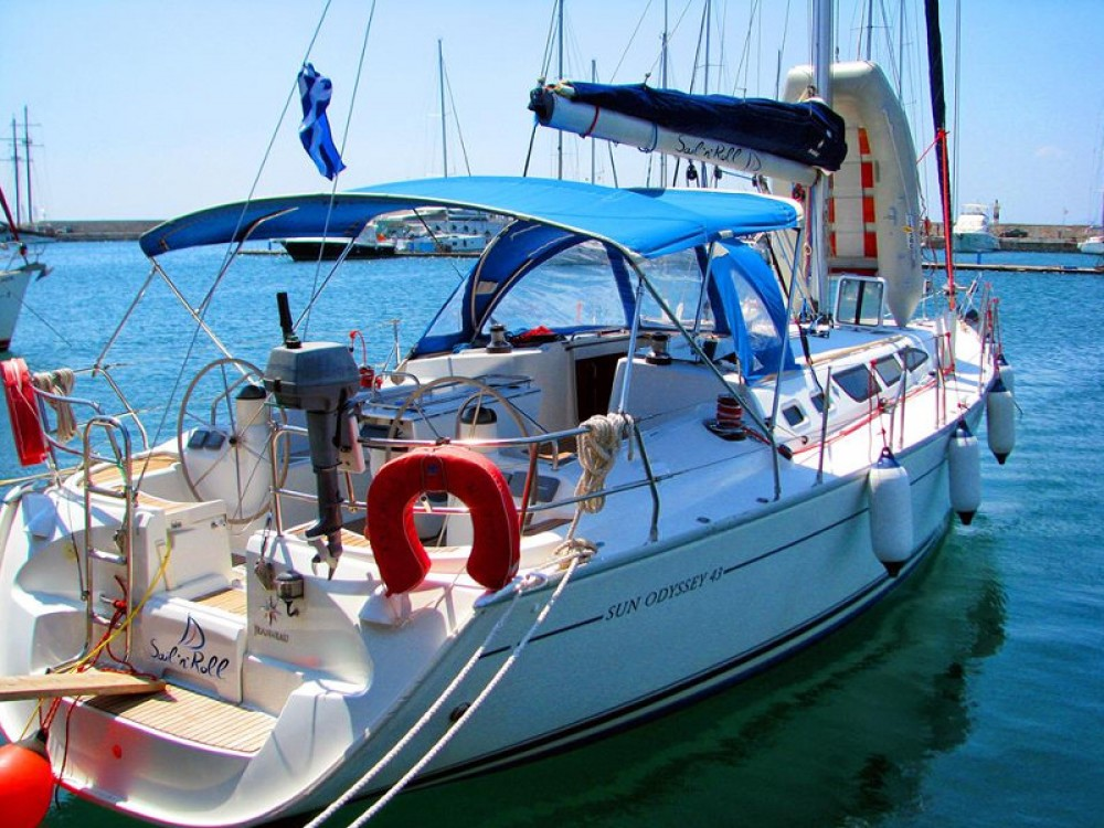Location bateau Jeanneau Sun Odyssey 43 à Vatopedi sur Samboat