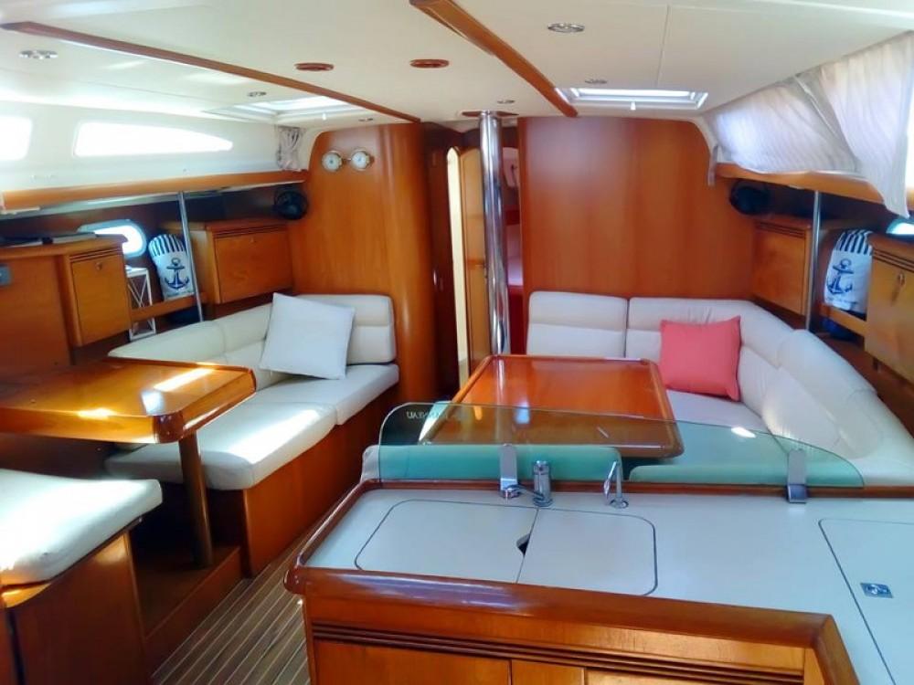 Location bateau Vatopedi pas cher Sun Odyssey 43