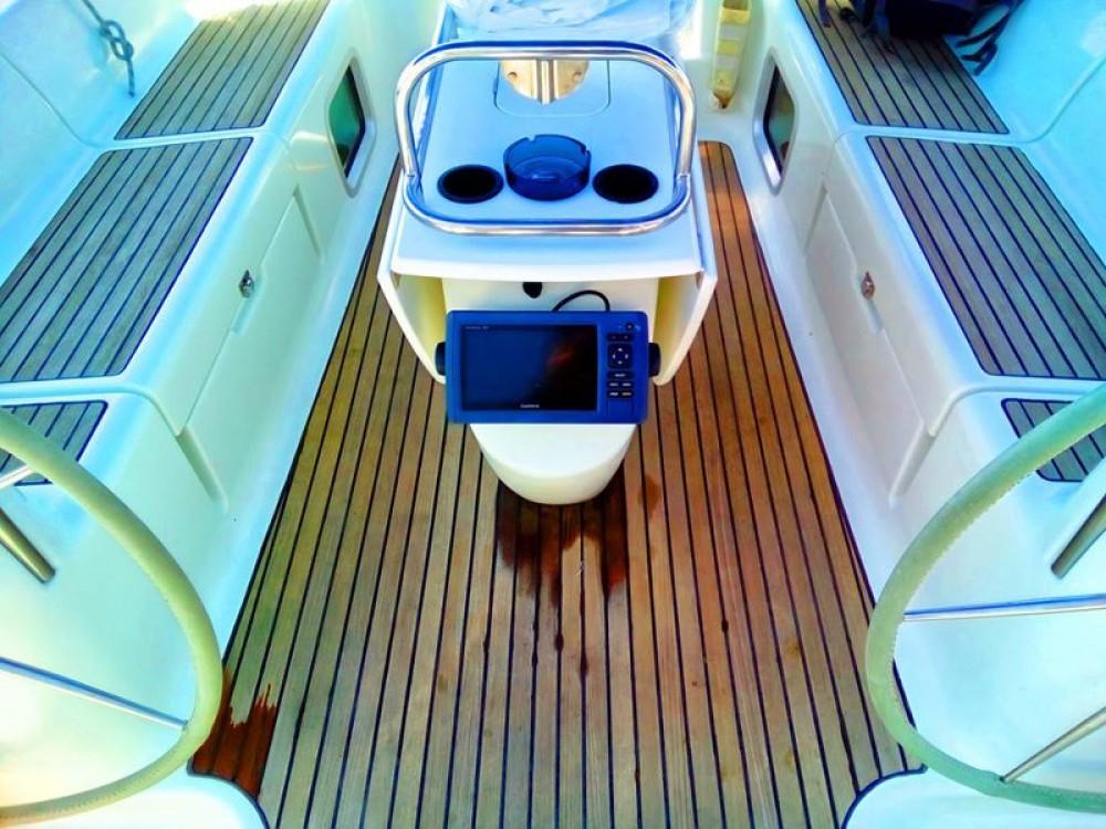 Louez un Jeanneau Sun Odyssey 43 à Vatopedi