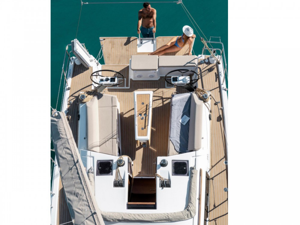Rental Sailboat in Capo d'Orlando Marina - Dufour Dufour 390 Grand Large