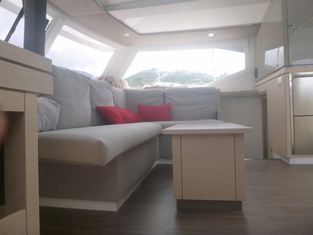 Location Catamaran à Les Trois-Îlets - Fountaine Pajot Lucia 40