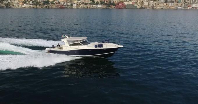 Louer Bateau à moteur avec ou sans skipper Gagliotta à Naples