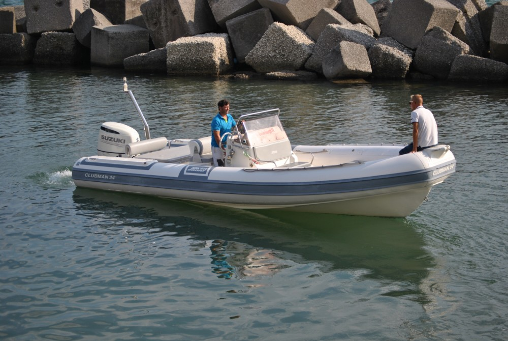 Joker Boat Clubman 24 between personal and professional Salerno