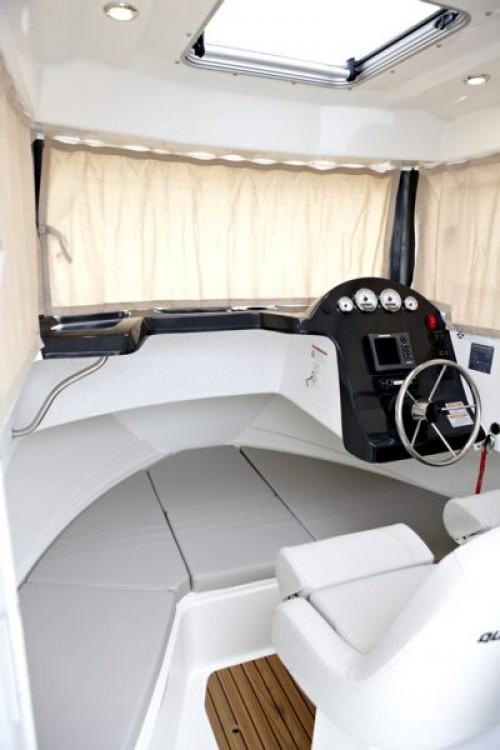Quicksilver Activ 605 Pilothouse entre particuliers et professionnel à Clohars-Carnoët