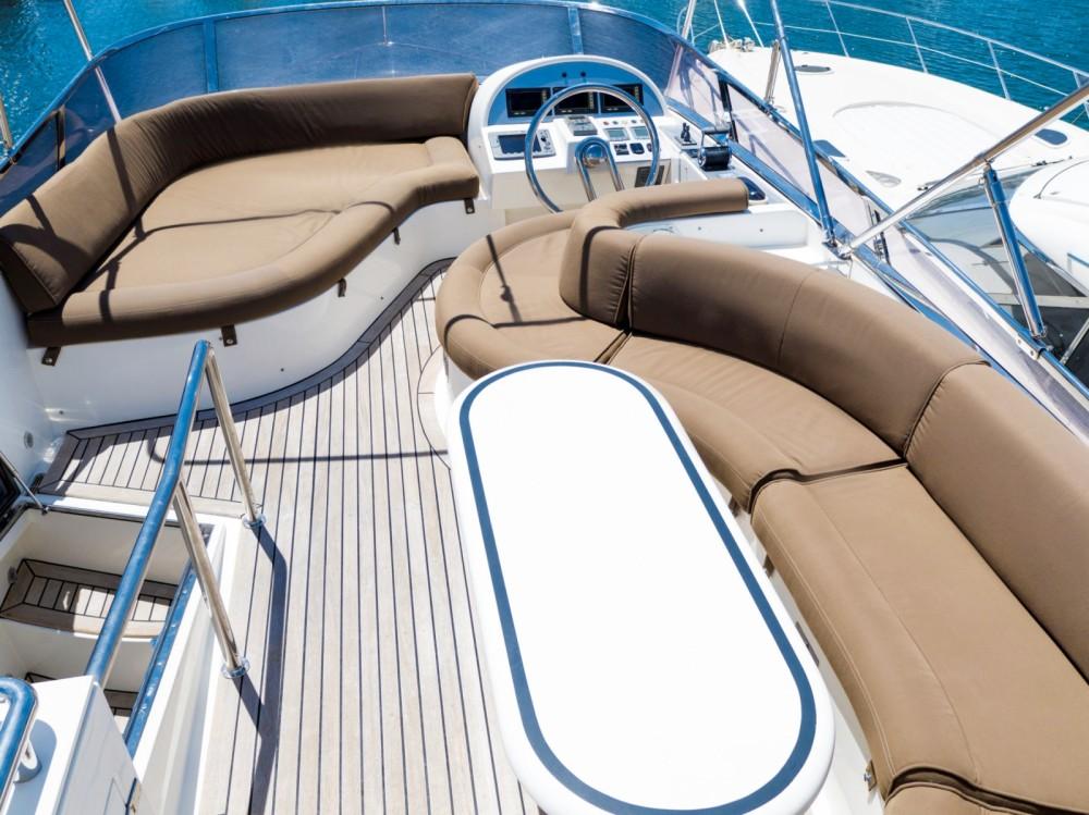 Bootsverleih Horizon Elegance 54 Fly Palma Samboat