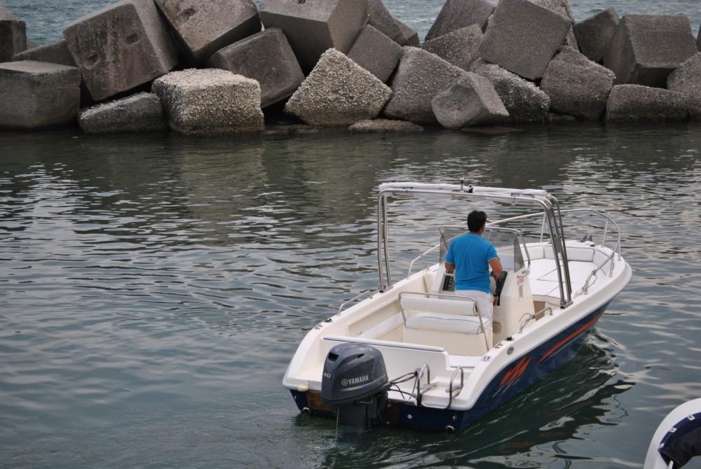 Boat rental Salerno cheap Terminal Boat 21