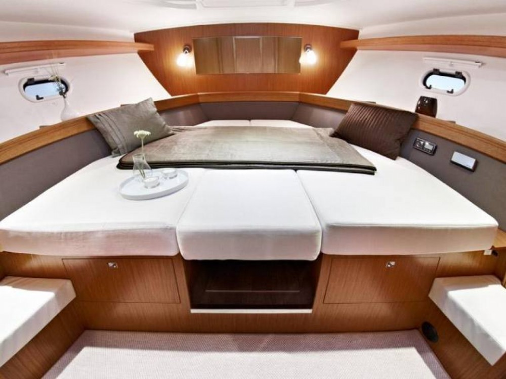 Location bateau Bavaria Bavaria 39 HT à Sant Antoni de Portmany sur Samboat